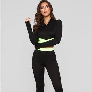NWOT Fashion Nova Green and Black Set💚